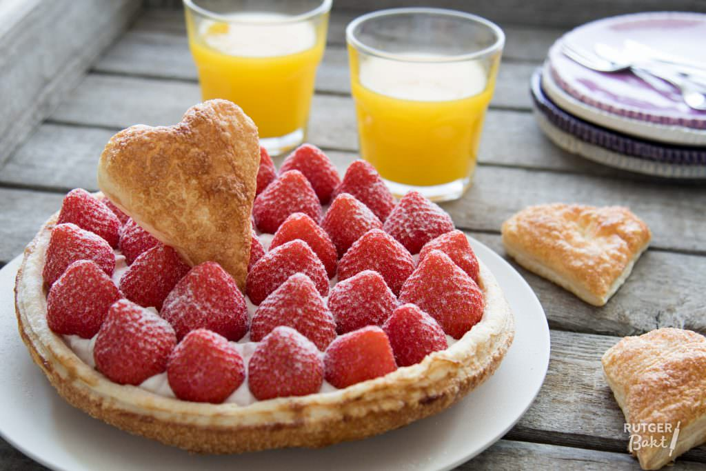 Moederdagtaart met aardbeien