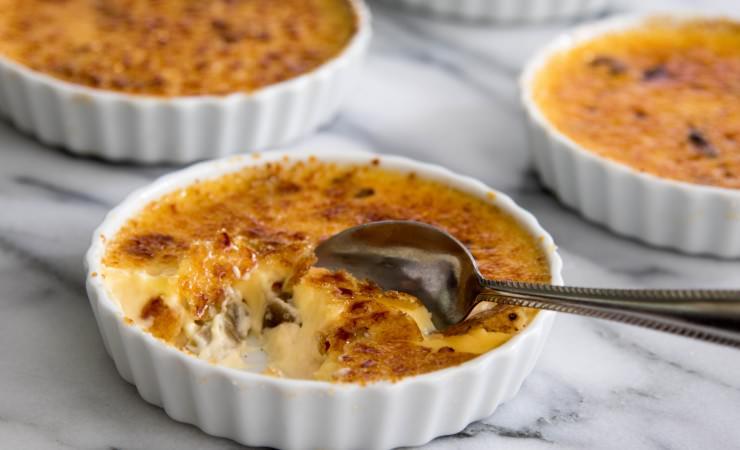 Crème brûlée met rabarber