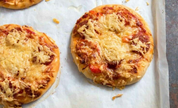 Zelf pizzabroodjes bakken – recept