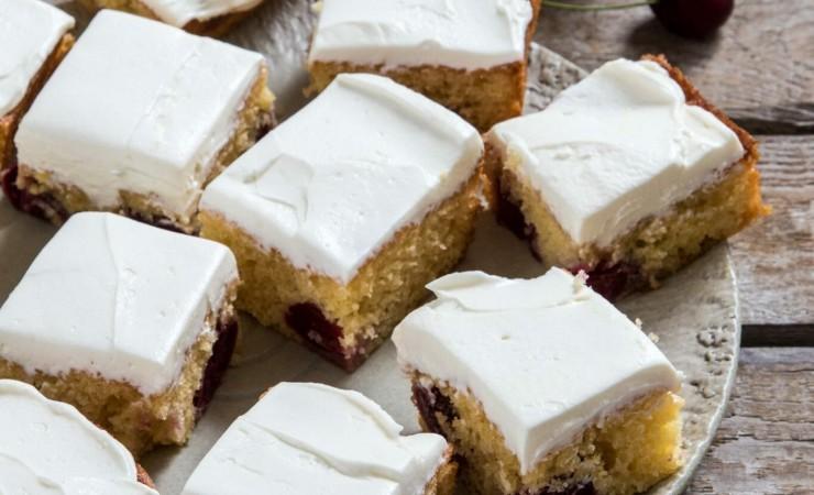 Kersencake met lavendel-mascarpone